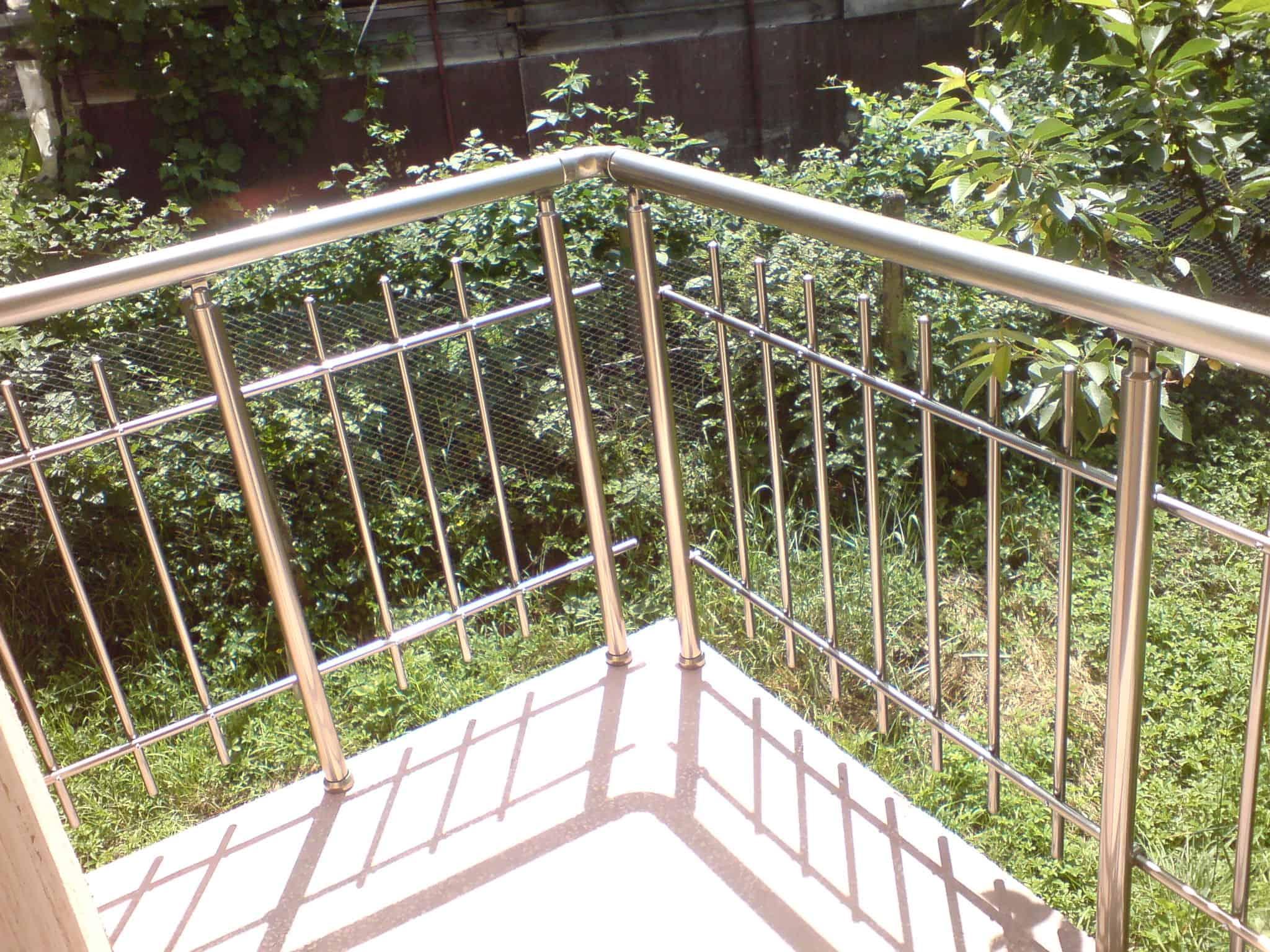 парапет за тераса вертикален