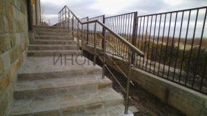 алуминиев парапет на стълби